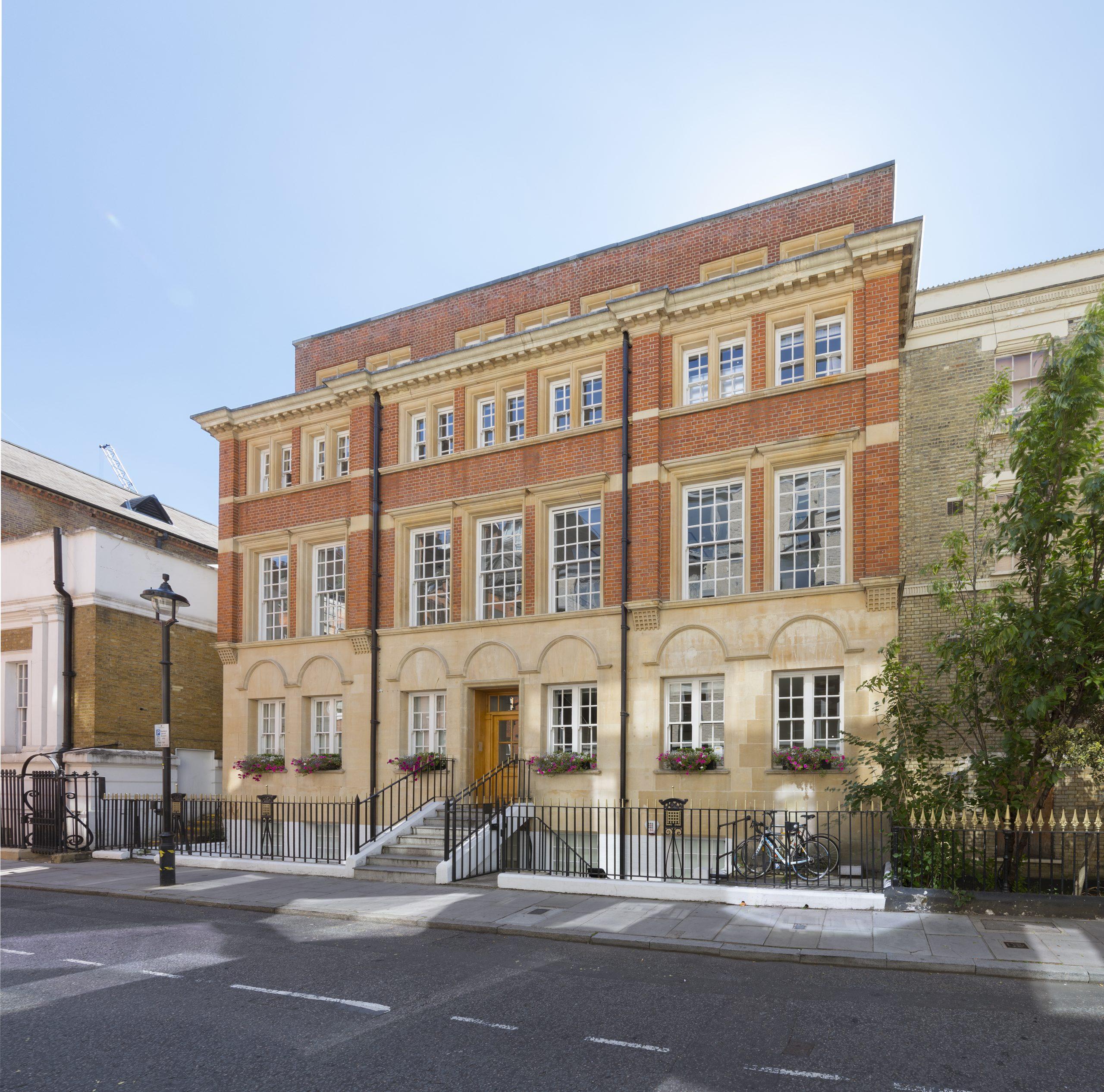 1 Castle Lane, London, SW1E 6DR